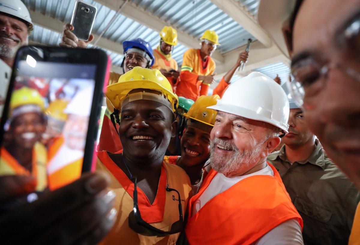Lembre do primeiro dia de caravana de Lula na Bahia https://t.co/CYyRS...