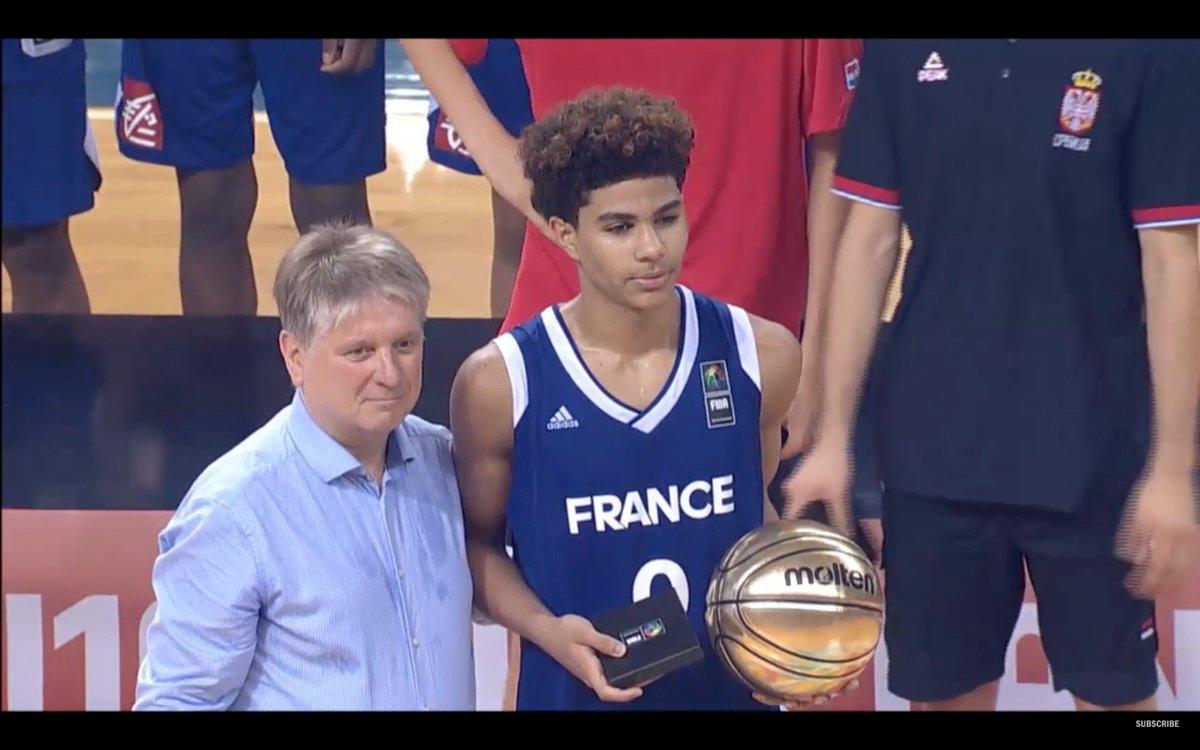 Hayes Champion et MVP  #FIBAU16Europe pic.twitter.com/3DLwFOpuQO