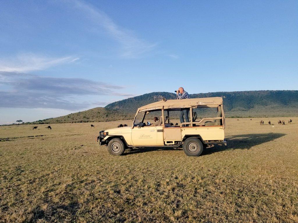 Here&#39;s my #SafariSelfie, with @MaraFairmont on my #Safari in #MasaiMara. #LuxuryTravel #Kenya #FairmontSafari <br>http://pic.twitter.com/U6a9HTAOZy