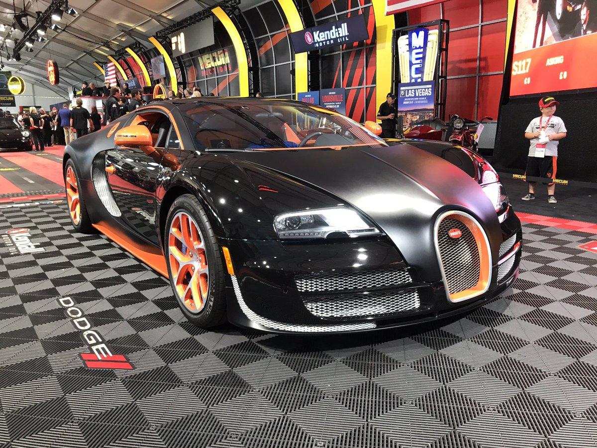 Mecum Auctions On Twitter The 2015 Bugatti Veyron Grand Sport