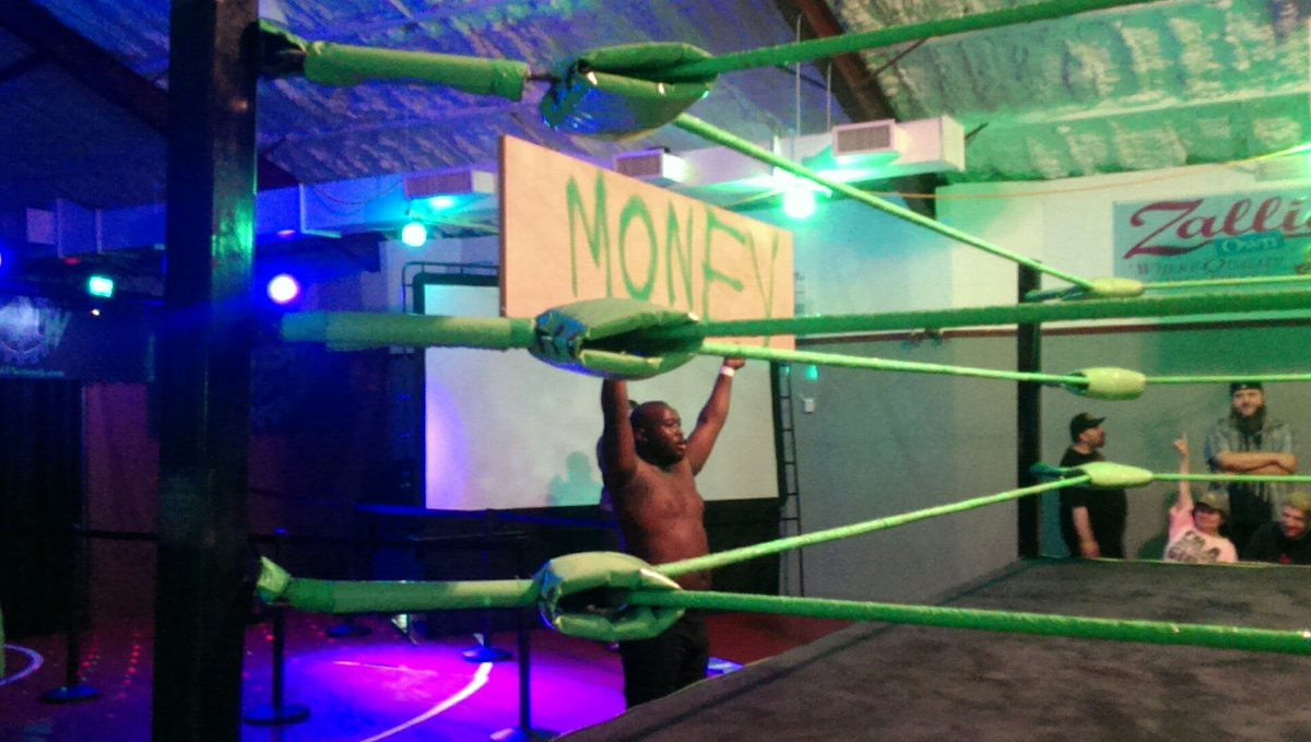@CamdenRoyalty telling everyone he means business here @TheMFPW ! The action is #real! <br>http://pic.twitter.com/6zriR2V5TX