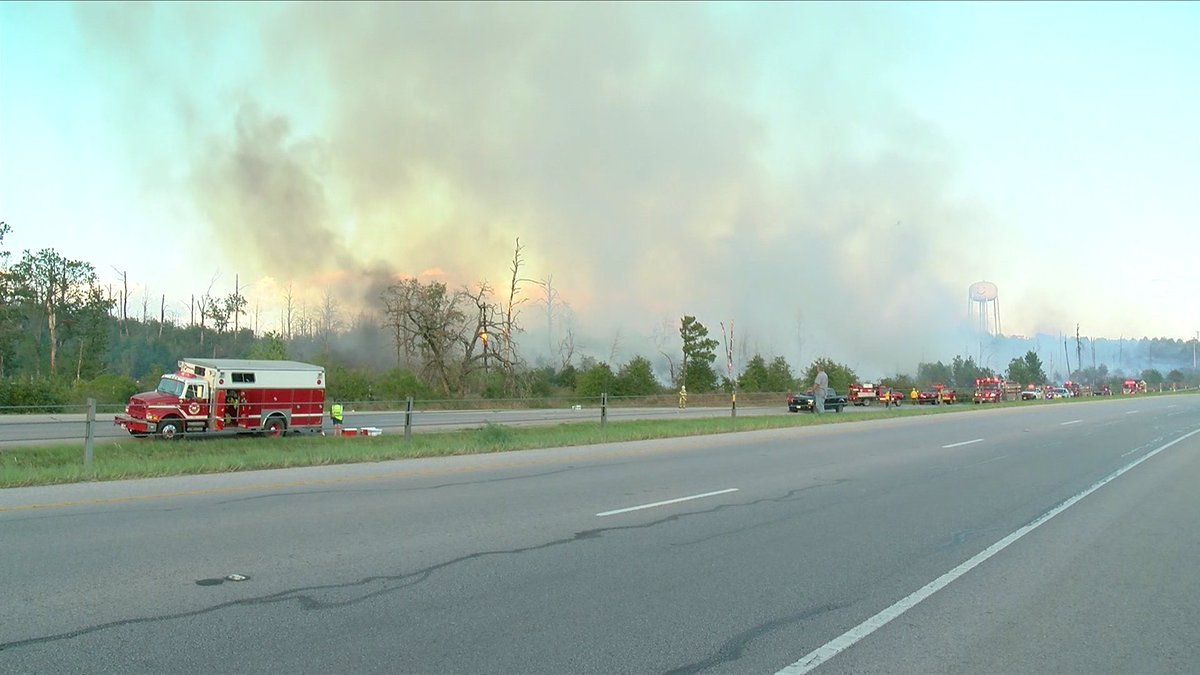 WATCH LIVE: Wildfire in the Royal Pines area of Bastrop. https://t.co/NhVV518EoM