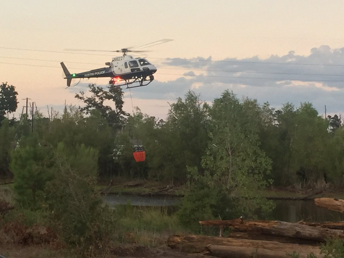 Numerous agencies are helping fight the #RoyalPinesFire. Here are some images from KXAN viewers: https://t.co/ChWUpTwXry