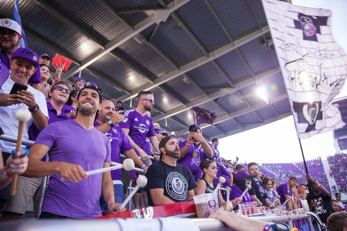 Suspenso após expulsão polêmica, Kaká vê empate do Orlando da arquibancada https://t.co/V2pJf5P4bk