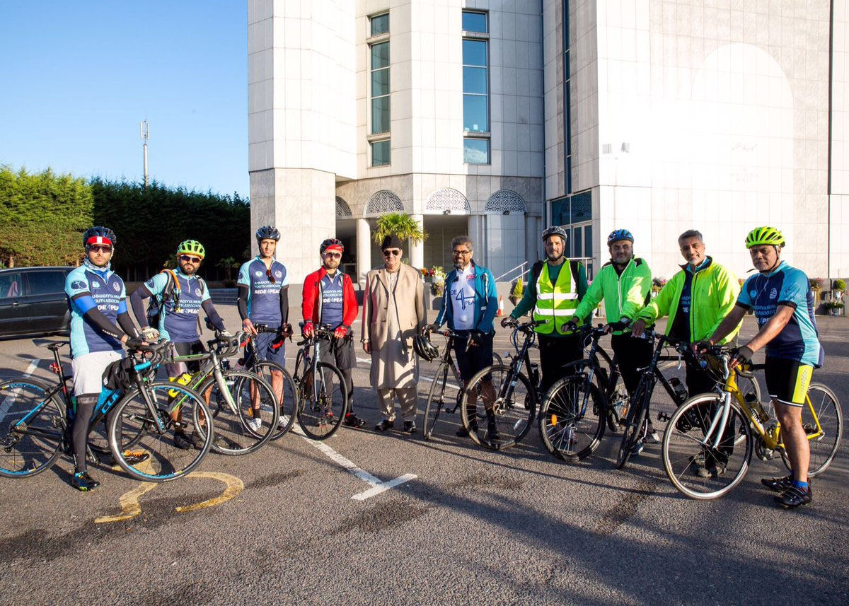 London Cycling Club >> Ahmadi Cycling Club A Twitter Setting Off For Ride4peace