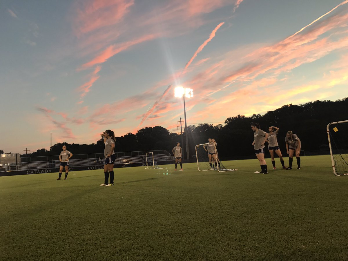 Great session under the lights of the Frock tonight!!!! Just under two weeks until our first match. #growing #working #allin<br>http://pic.twitter.com/MKJEsP9GHT