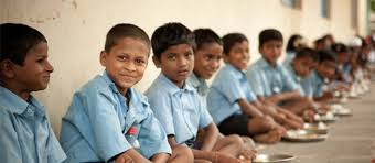 No goal can be achieved with an empty stomach. Have nutritional balanced diet to focus #be with child education for better future <br>http://pic.twitter.com/FlJs7sWX11