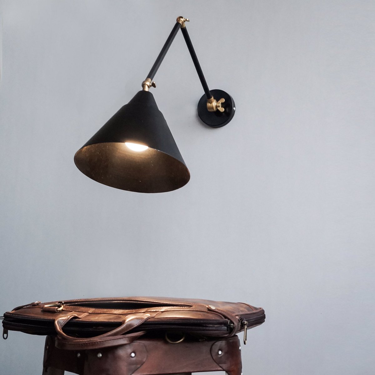 The executive club wall sconce #lamps #industriallamps #decor #home #interiordesign #interiorismo #interiordesign<br>http://pic.twitter.com/tI6c5G9j7n