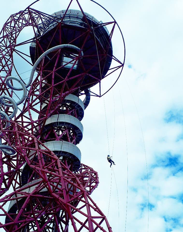 So this is me yesterday!! Can&#39;t quite believe I did it, but what a great experience @AMOrbit #abseil #olympicpark<br>http://pic.twitter.com/sC2nEMw6Jr