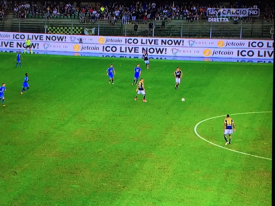 From last nights match between Hellas Verona 1 @HellasVeronaFC - SSC Napoli 3 @sscnapoli. Season opening Serie A #football in #Italy. #ico <br>http://pic.twitter.com/ezZgd6FbX2