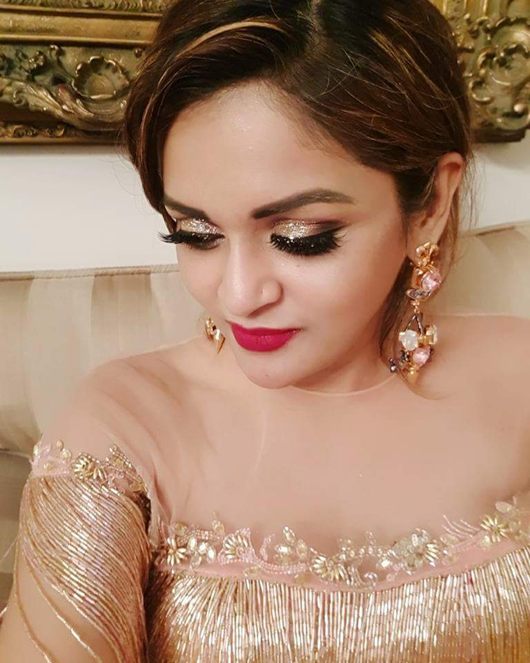 Nafisa Kamal sexy Bangladeshi beauty Height, Weight, Age, Body Measurement, Wedding, Bra Size, Husband, DOB, instagram, facebook, twitter, wiki