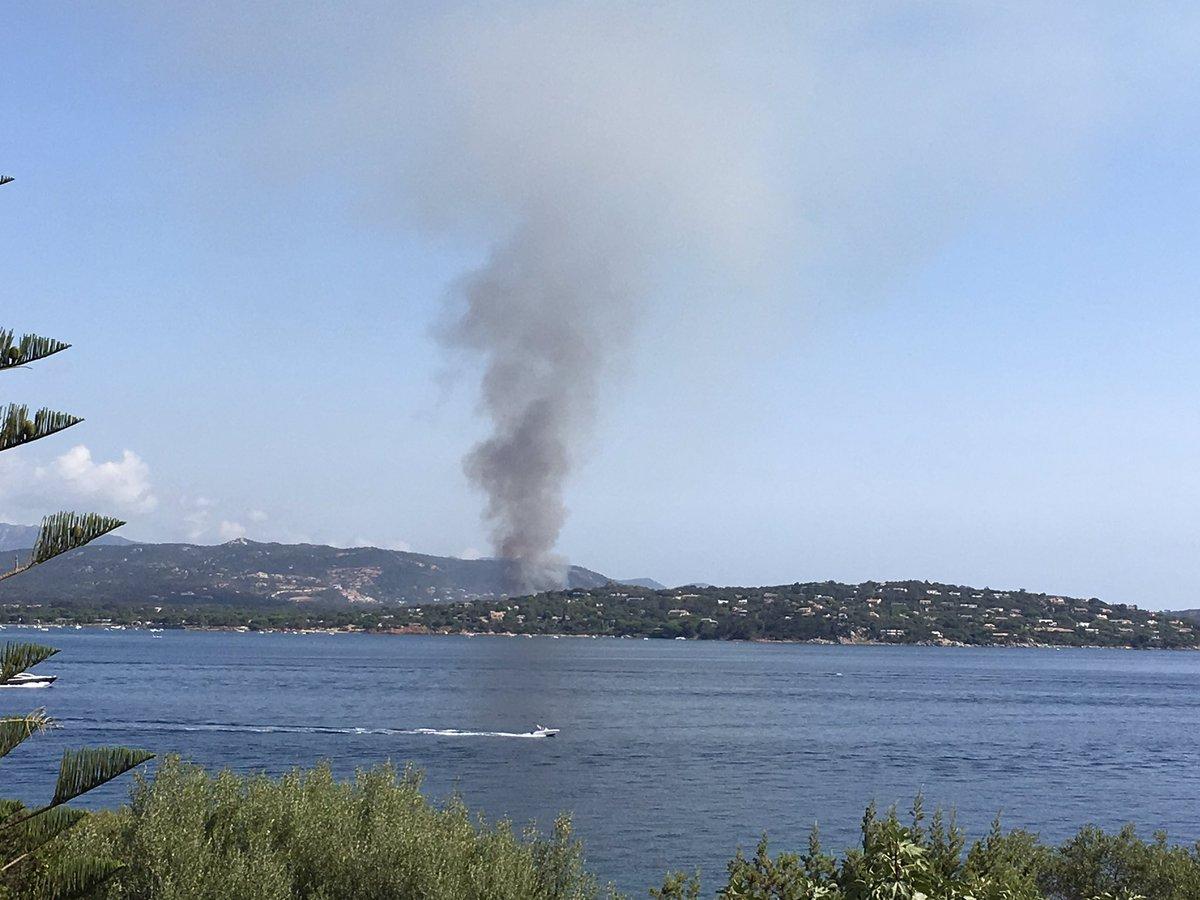 Incendie à Saint Cyprien #corse #portovecchio #saintcyprien #incendie pic.twitter.com/6D6ZvT5t9C