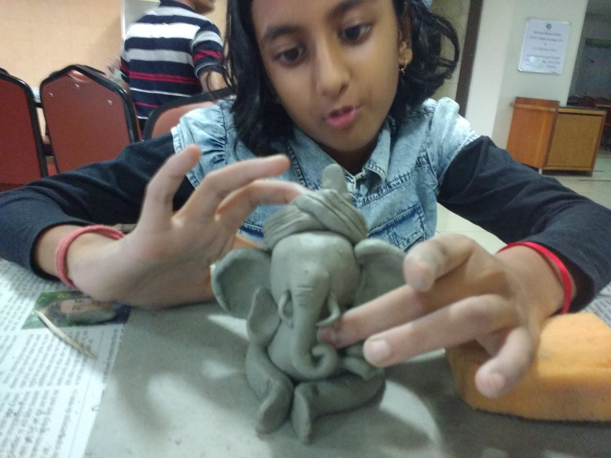 Had a great time with daughter. Really like the Ganpati making workshop #GoGreen #LifeAtPersistent @Persistentsys<br>http://pic.twitter.com/OOBBTKgcxg