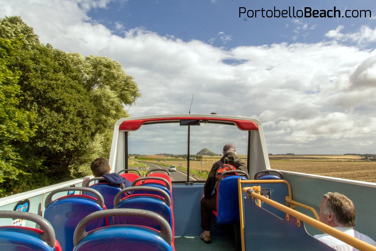 £7.50 takes you on the open top bus from #Portobello to #NorthBerwick and back. Great idea @EastCoastBuses #Edinburgh #Scotland #EastLothian<br>http://pic.twitter.com/Uoz7jXbhDC