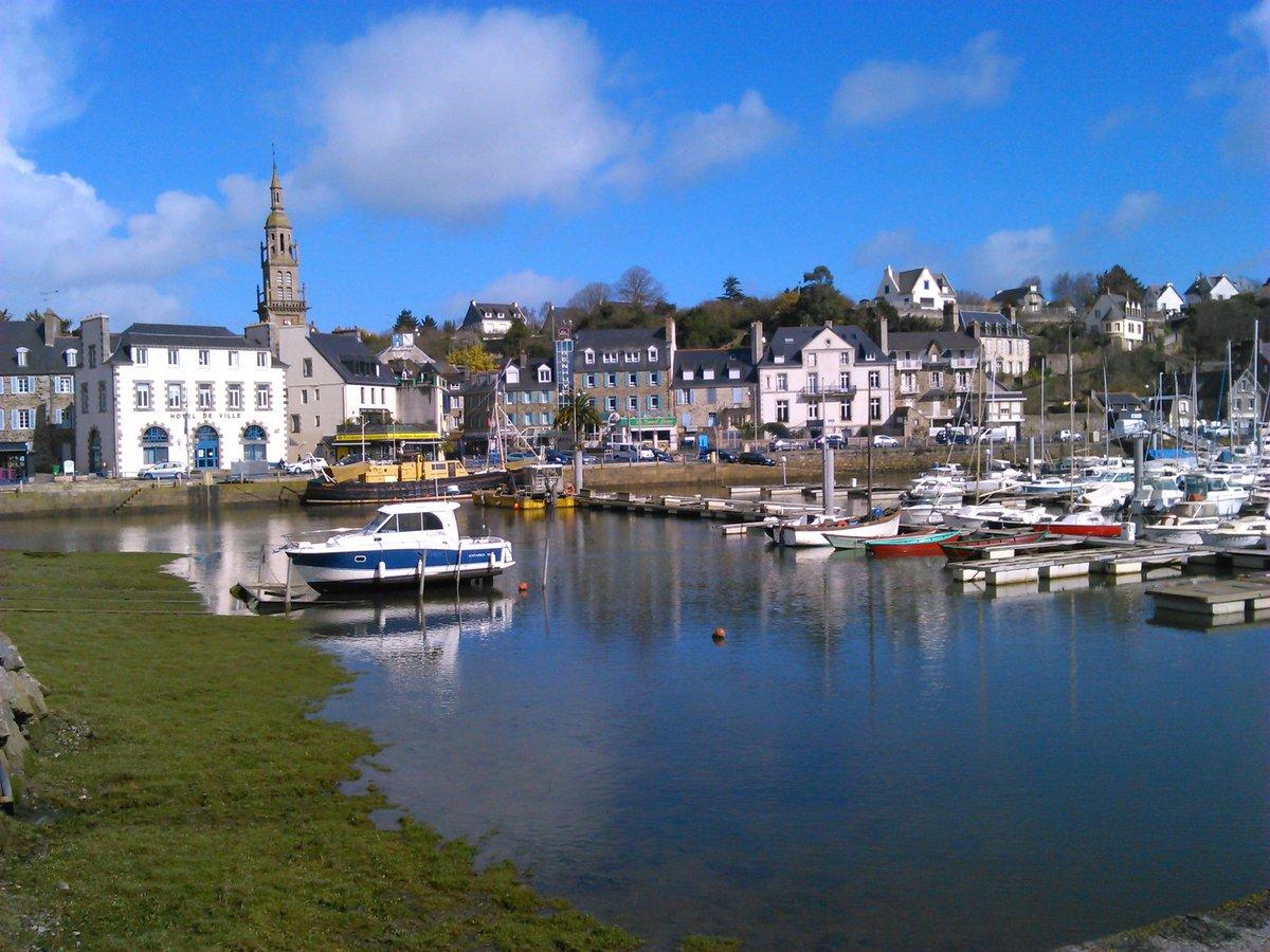 Binic  #Bretagne #MagnifiqueFrance #Beautifulfrance  #tourisme  #vacances  <br>http://pic.twitter.com/QHYFUUbIMD