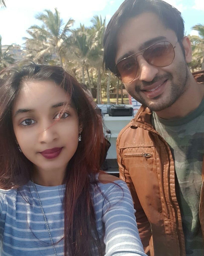 Our dashing hero @Shaheer_S with a fan in Durban #picture #credit #shresh23 #Durban #DurbanDiaries #ShaheerSheikh<br>http://pic.twitter.com/tT97iTqCW1