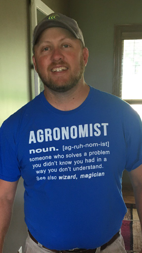 My uncle told my wife to buy me this shirt! Pretty accurate sometimes! #agronomy #wizard #stillgetpuzzled #farm365<br>http://pic.twitter.com/4fHYaZMsxh
