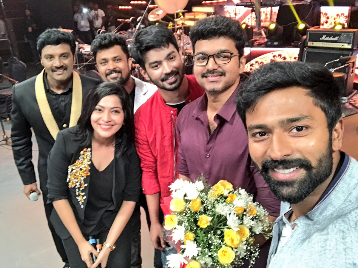#Selfie by Shanthanu #MersalMusicLive <br>http://pic.twitter.com/kFegWnv4Wk