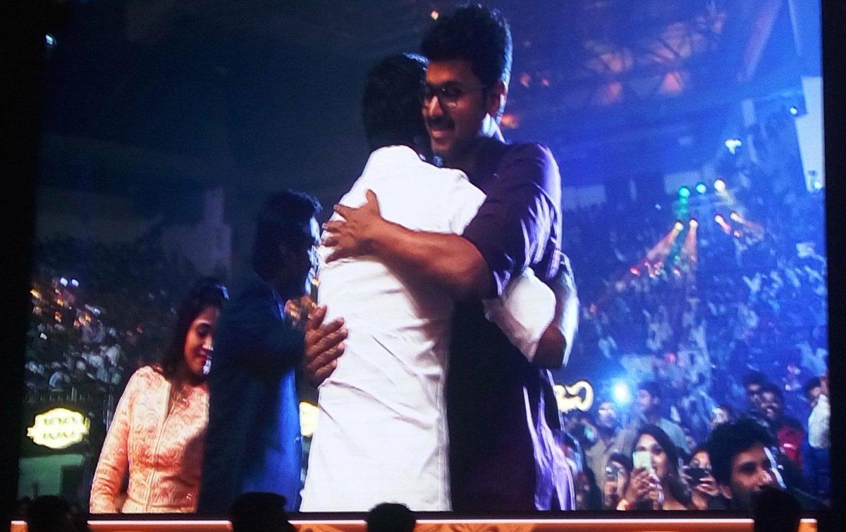 Superb pic of this #Event @actorvijay @dhanushkraja    #hug <br>http://pic.twitter.com/XUD10vU9HQ
