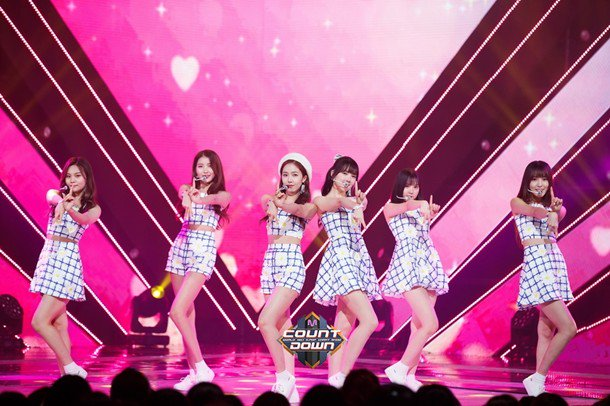 Our #Buddy~ these are official photos from M Countdown when we were performing &quot;One Half&quot; ♡ (@GFRND_UMJI)<br>http://pic.twitter.com/tx6C6tt3xc