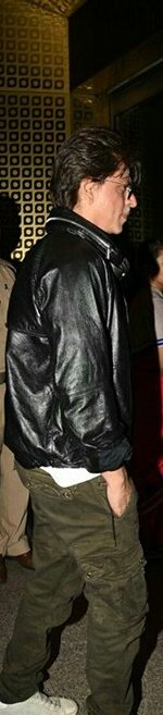 @iamsrk wow Always #Amazing  classe you have a carism no other have sir #srk you have most awsome style<br>http://pic.twitter.com/Nwc8tha6Q2