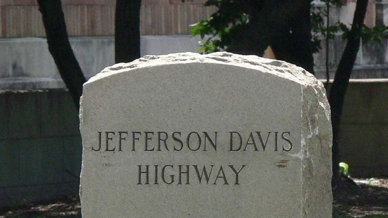 Virginia is renaming Jefferson Davis Highway and asking the internet for suggestions https://t.co/Ut09mVA2Pt