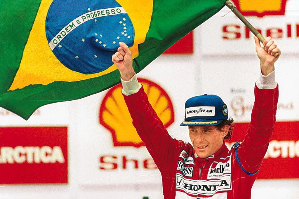 Saudosas manhãs de domingo! #SennaSempre...