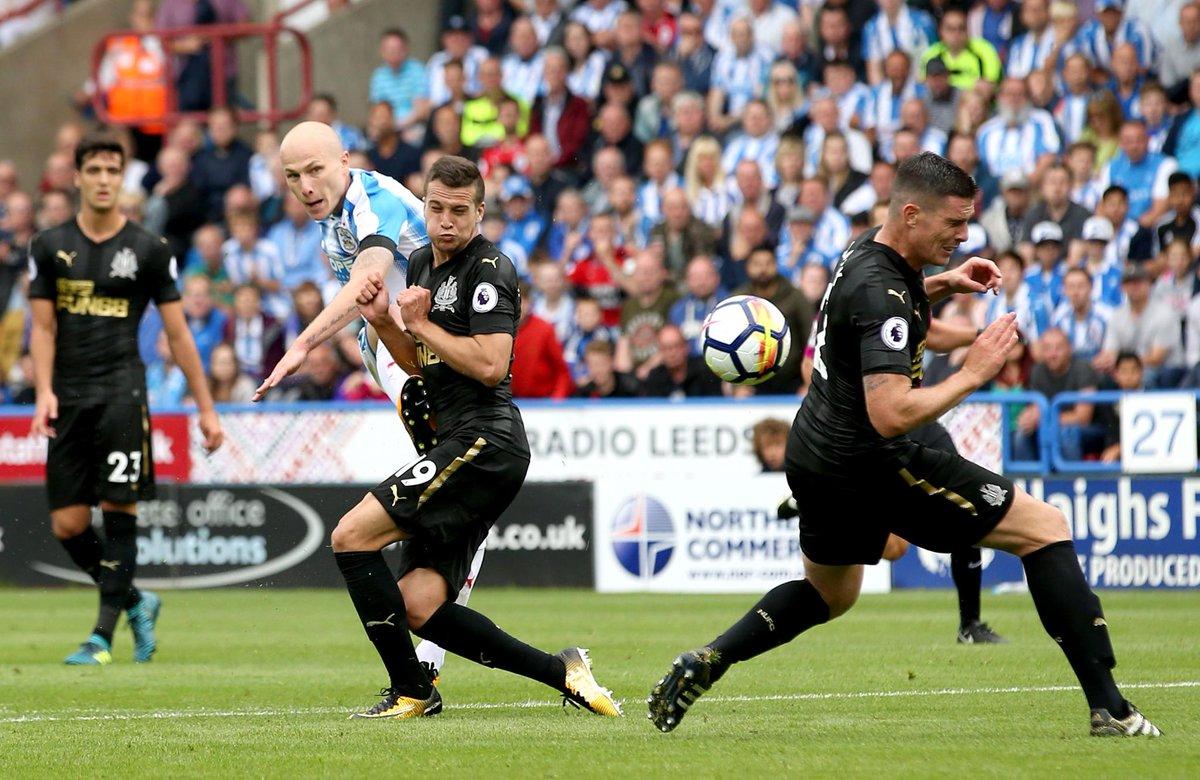 💥 @AaronMooy  Huddersfield 1-0 Newcastle (65 mins) #HUDNEW https://t.c...