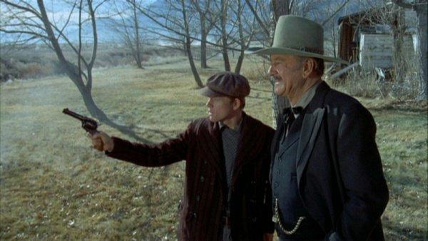 "1976 ""The Shootist"" released #OTD starring #JohnWayne Lauren Bacall &amp; @RealRonHoward @IMDb<br>http://pic.twitter.com/vt87O1ANYX"