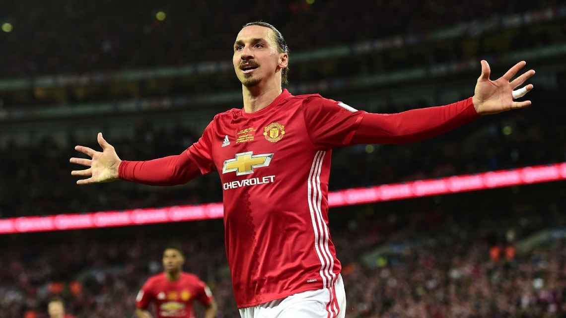 Zlatan Ibrahimovic will sign a contract to rejoin Man United this week...