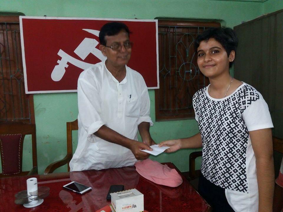 #Brand West Bengal* Ritabrota Das,a class-VIII Student,has donated Rs.2001to CPIM MP @salimdotcomrade to help the flood-victims of N Bengal.<br>http://pic.twitter.com/mH1suL9PXg