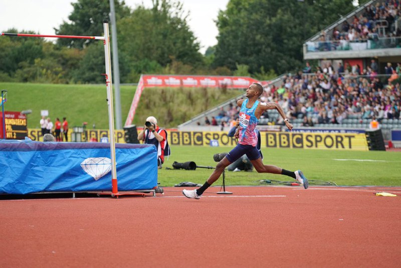 Mutaz Essa Barshim clears 2.40m in Birmingham!  ✅ Meeting record ✅ Wor...