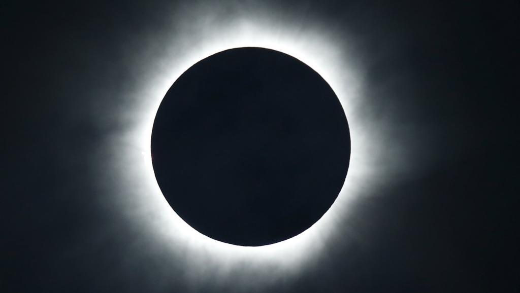 Les Etats-Unis se préparent à une éclipse solaire totale et historique...