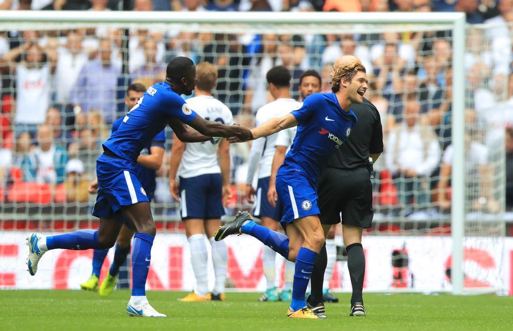 Chelsea piège Tottenham.#TOTCHE #Chelsea   http:// thetotalsport.com/articles/632    pic.twitter.com/EIRpDlH0uA
