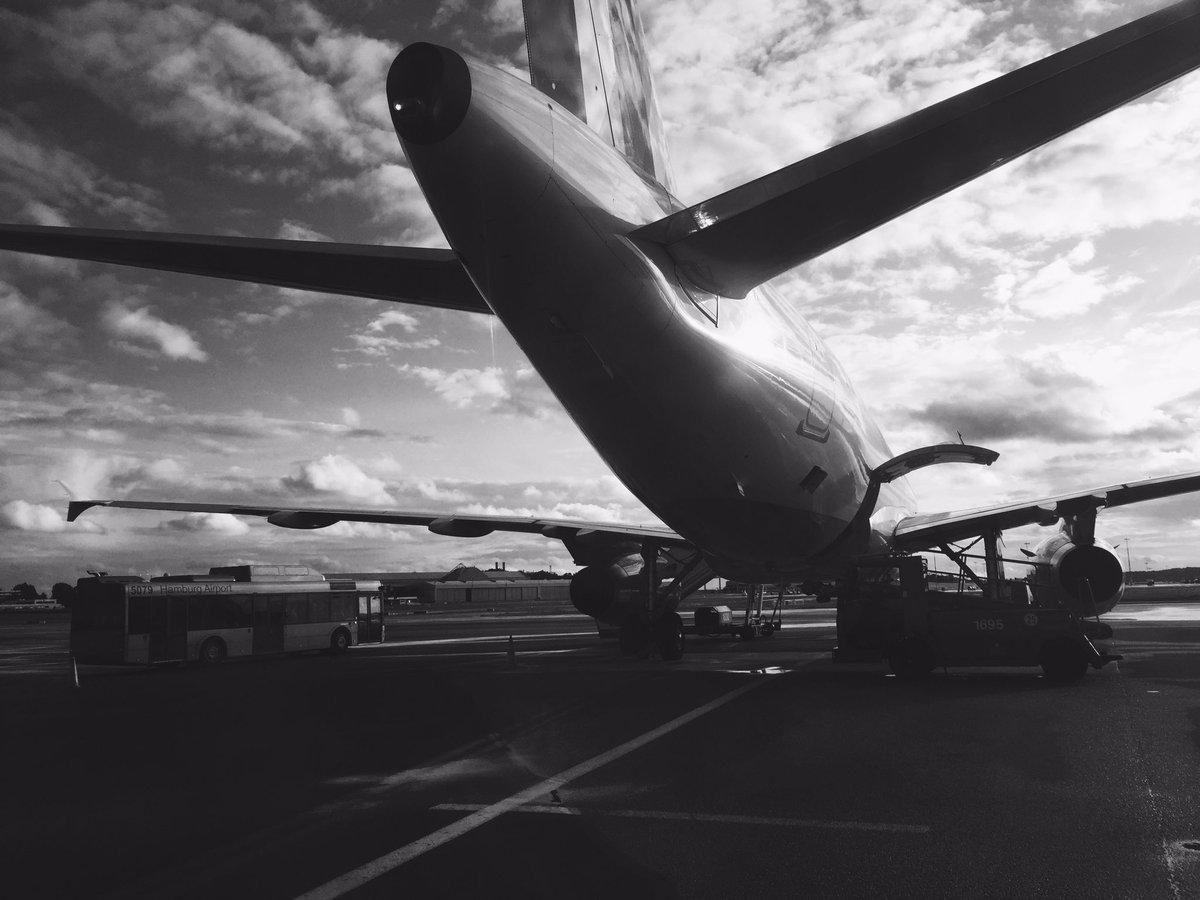 So long, #hamburg. Until next time. #travel #danceboydance #nudisco<br>http://pic.twitter.com/iQllrynbou &ndash; bij Hamburg Airport - HAM