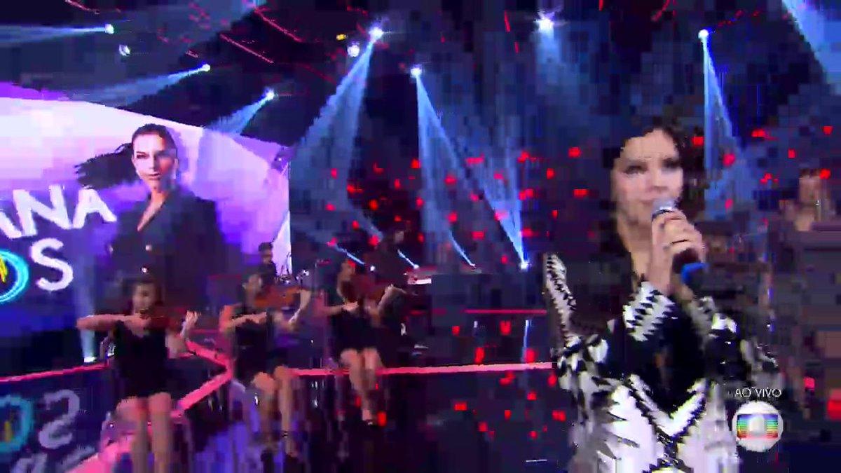 Mariana Rios encerrando as apresentações com música de Beyoncé! #Palco...