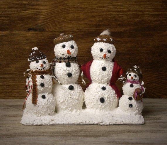 #Miniature Snowman Family For Your #Dollhouse by #DinkyWorld -  http:// etsy.me/1KxhfNZ  &nbsp;   via @Etsy #Christmas #Winter <br>http://pic.twitter.com/KBGG3py3tZ
