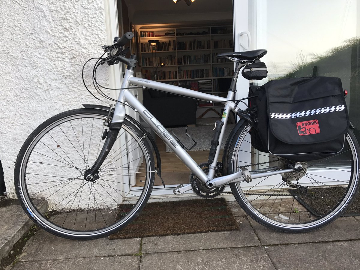 One solution I will be testing out this month to ease the commute. Bike-train-bike. @healthatworkUK @InspiringSland #panniers #waterproof! <br>http://pic.twitter.com/TG9mtpbjBQ