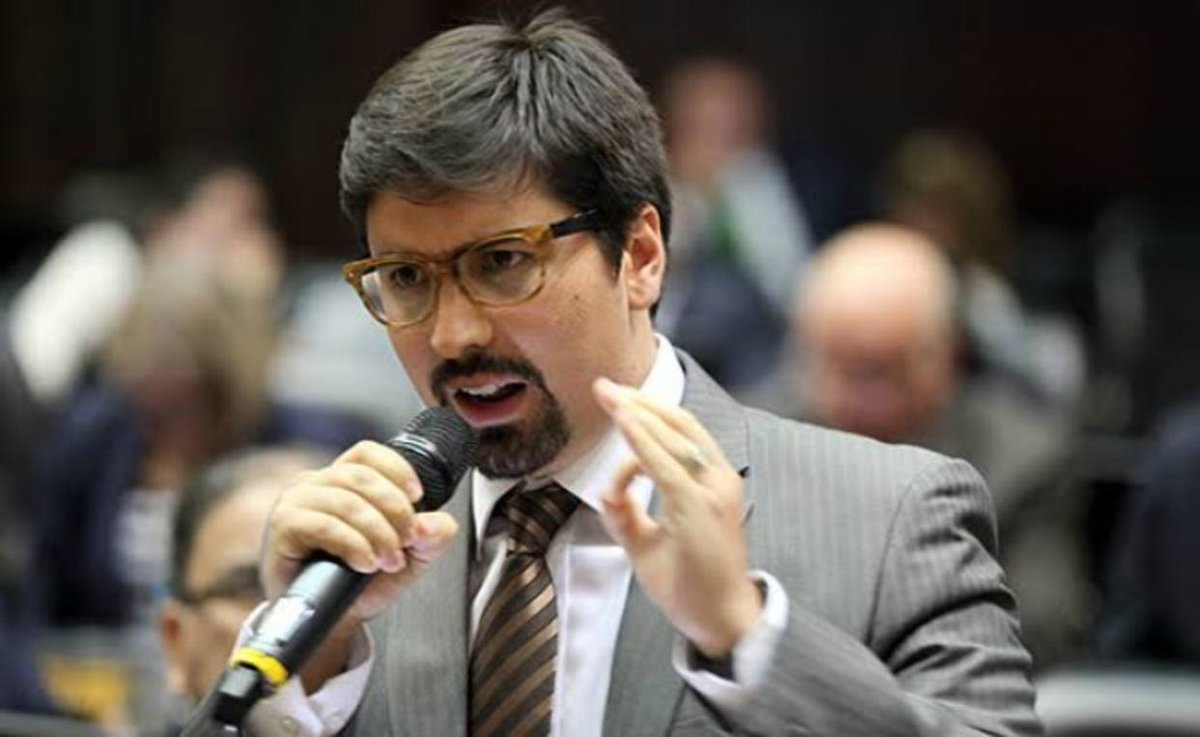 Guevara: El Parlamento está en resistencia frente a una dictadura mili...