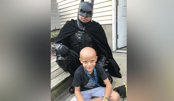Terminally ill Ohio boy meets his favorite hero, Batman https://t.co/M8q2krdVo5
