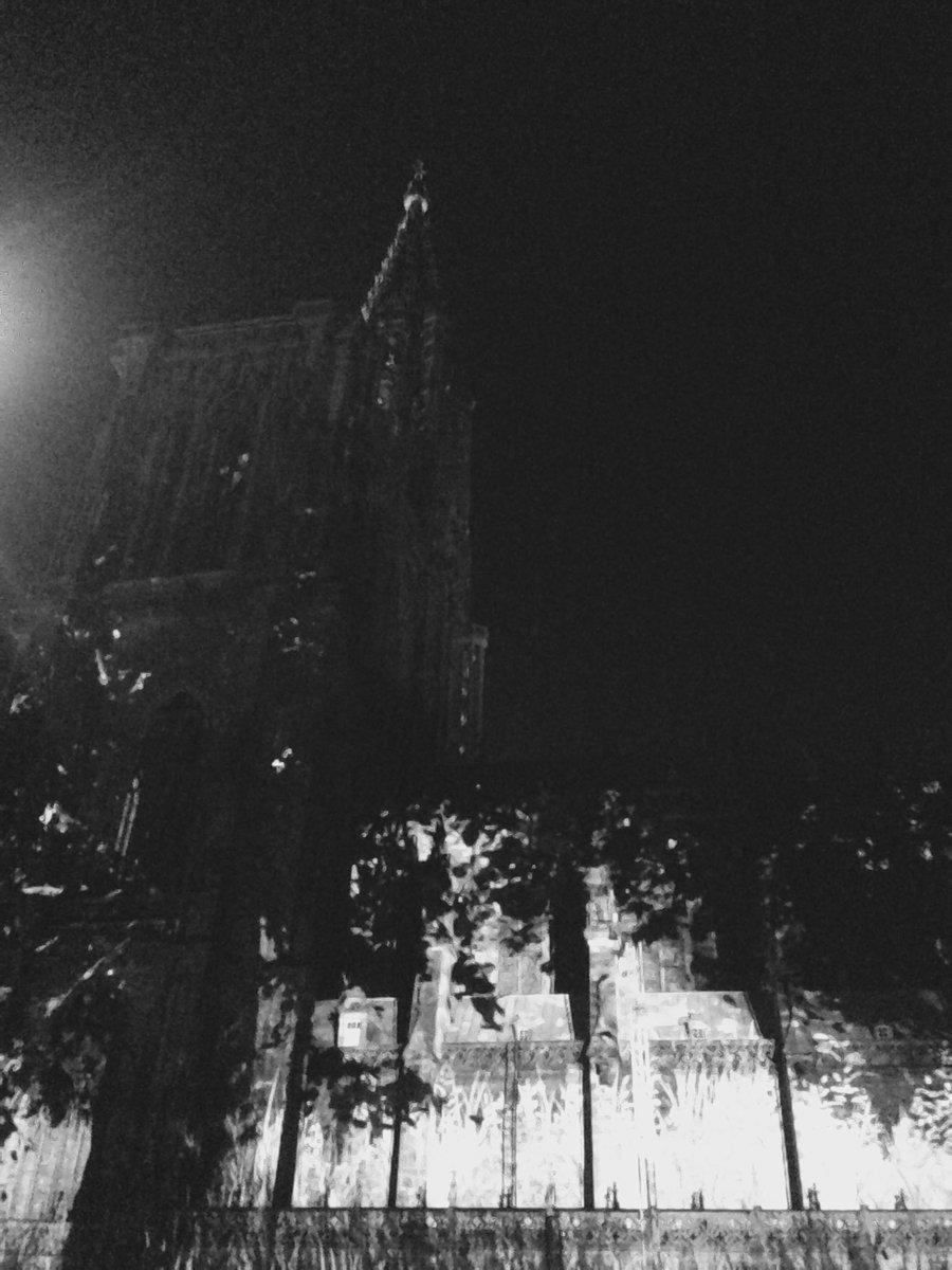 Right now #LeBalletdesOmbresHeureuses #Strasbourg <br>http://pic.twitter.com/qitk1dtrEJ