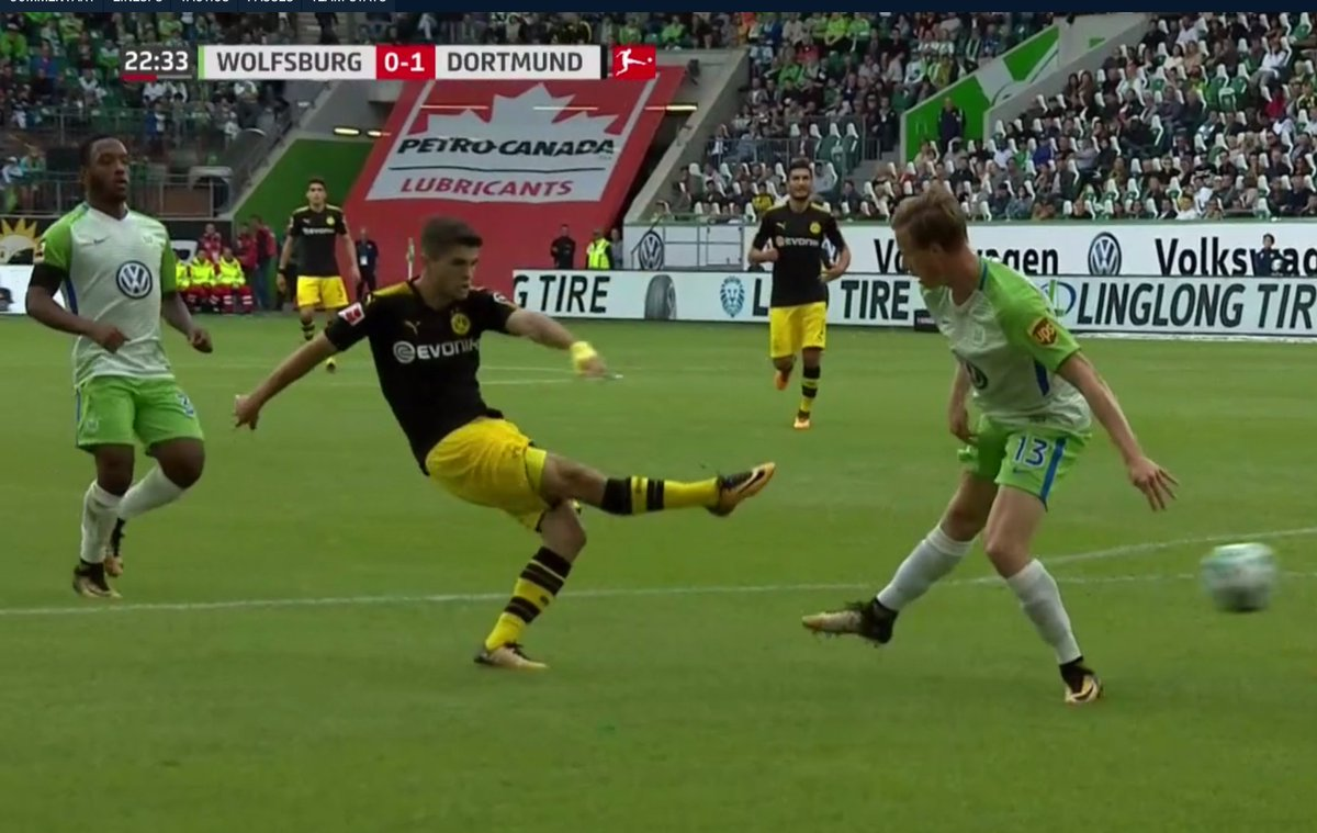 Best part about Pulisic&#39;s goal vs Wolfsburg: His shooting form recreates the #Bundesliga logo (which you can see in scoreline graphic). -d <br>http://pic.twitter.com/BwXD7biipn