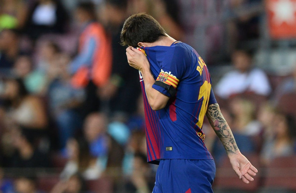 Leo Messi seems to be unlucky today. 3 shots on the goal post.   #WeAreMessi #FCB #Barcelona #Barça #FCBarcelona #FCBlive #LeoMessi #Messi <br>http://pic.twitter.com/lCBGkp7ZeF