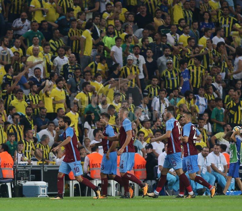 Golden sonra Olcay Şahan'dan Fenerbahçe tribünlerine 'sus' işareti. ht...