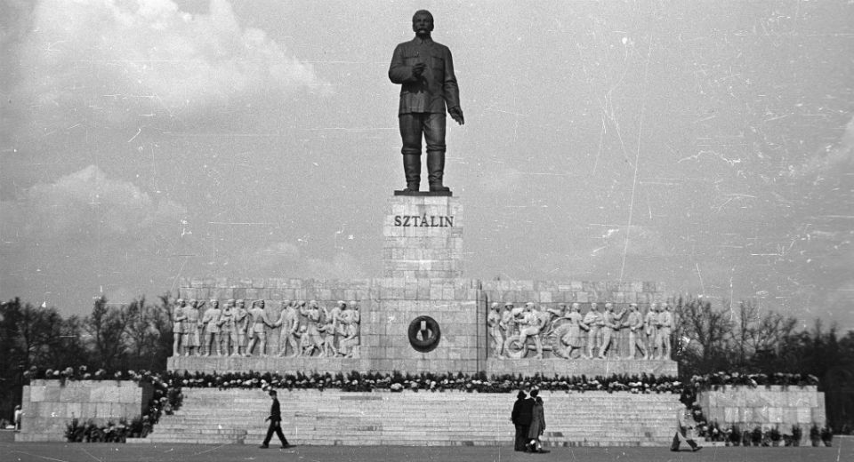 What to do with a heinous statue? Some lessons from post-Nazi Germany and post-Soviet Eastern Europe. https://t.co/TFmshJaHs7
