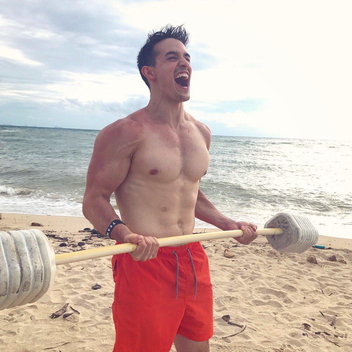 J'ai trouvé un haltère sur la plage !! (Et des coups de soleil aussi)...