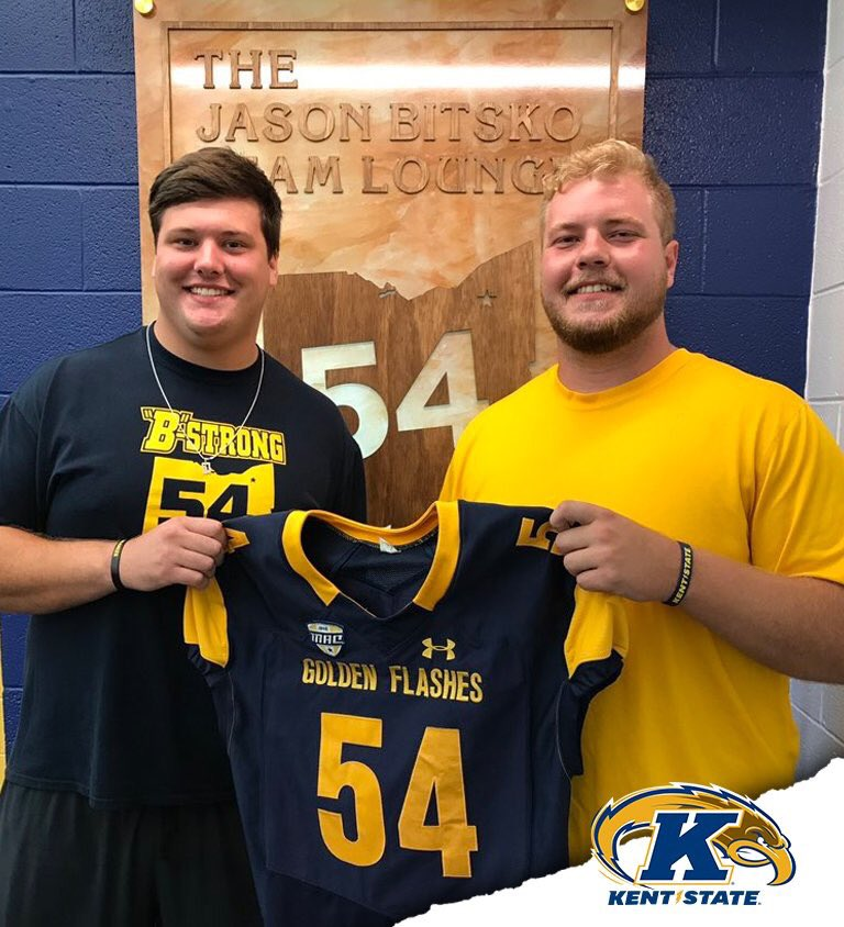Sr. Center Nate Puthoff honored tonight with the #54 Jason Bitsko jersey. He follows past winners Stefano Millin &amp; Reno Reda #B-Strong <br>http://pic.twitter.com/PFjYC6ePi8