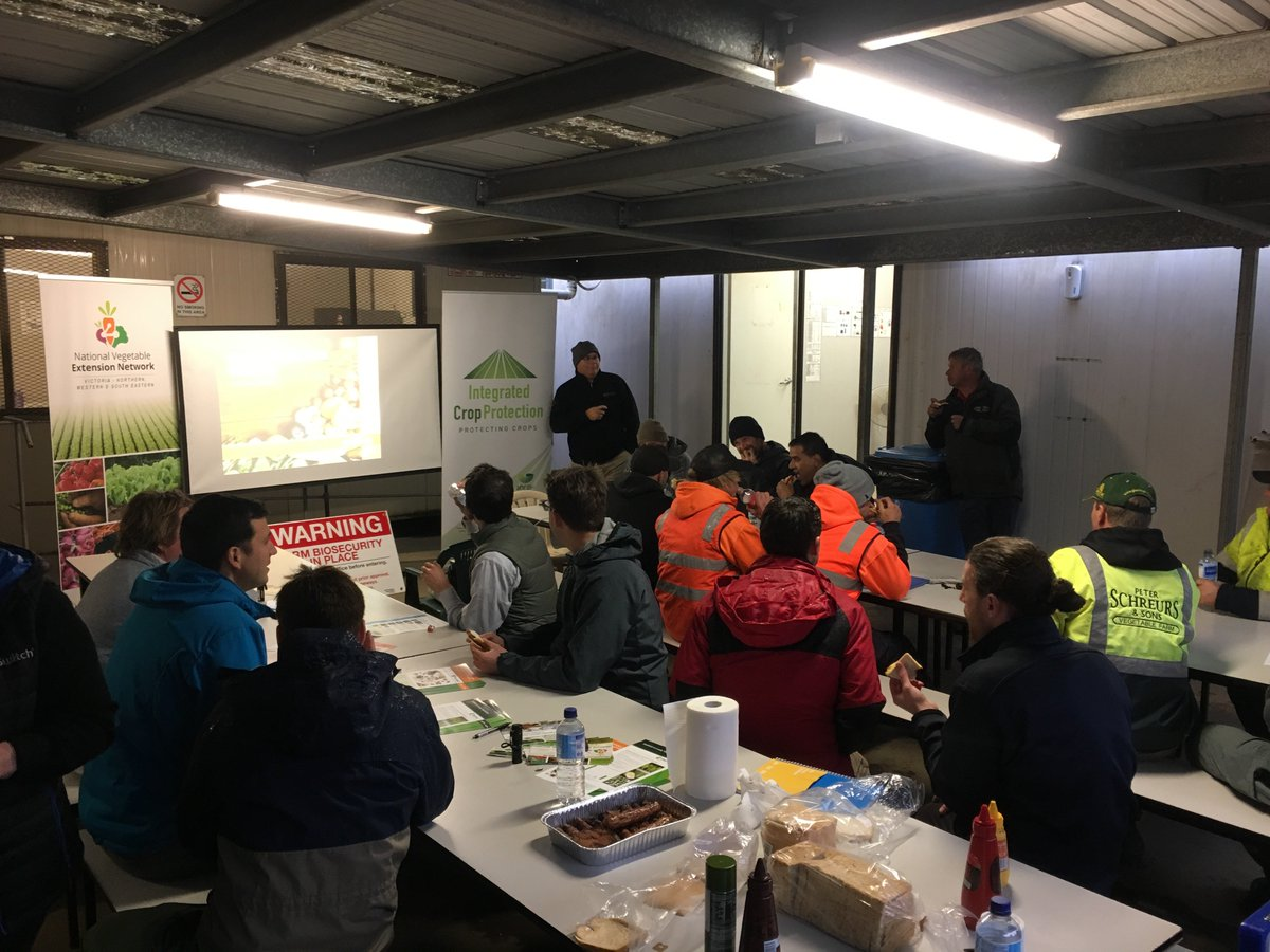 Check your water rate, use the correct adjuvant, and take time to calibrate your spray rig - key messages from #spray #workshop in Clyde VIC <br>http://pic.twitter.com/Z1MyPQhabw