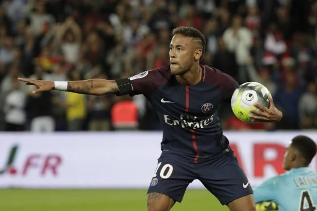 Os principais lances da atuação de Neymar pelo PSG no Parque dos Príncipes, em Paris  https://t.co/zjen27NZR1