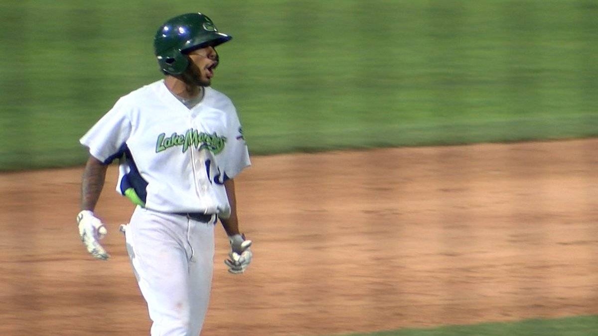 A walkoff win! Jesus Lage helps the @VTLakeMonsters secure a come-from-behind, 13 inning victory over Connecticut. https://t.co/qeenNjGDZY